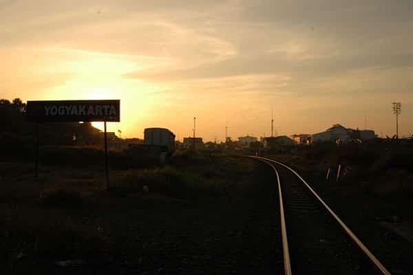 Stasiun Kereta Api Terbaik yang di Indonesia